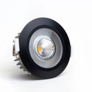 Die LED Spots RGBW mit gerichtetem warmweißen Licht und diffusem Farblicht sorgen für ein unvergleichliches Lichterlebnis in einem Real Smart Home. Die ausgeklügelte Lichtarchitektur und das edle Design machen diesen Spot so einzigartig.